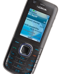 CHICKEN AND EGG: IMS Research points to volume shipments of NFC handsets — such as this Nokia 6212 — starting in 2009, but warns that widespread SWP support will only follow later