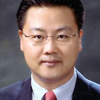 SK Telecom's Yu-Shik Kim