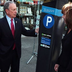NEW YORK: Mayor Bloomberg tries out a Muni-Meter