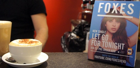 Foxes' new single is promoted in coffee shops with NFC
