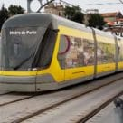 Metro do Porto tram accepts contactless card payment