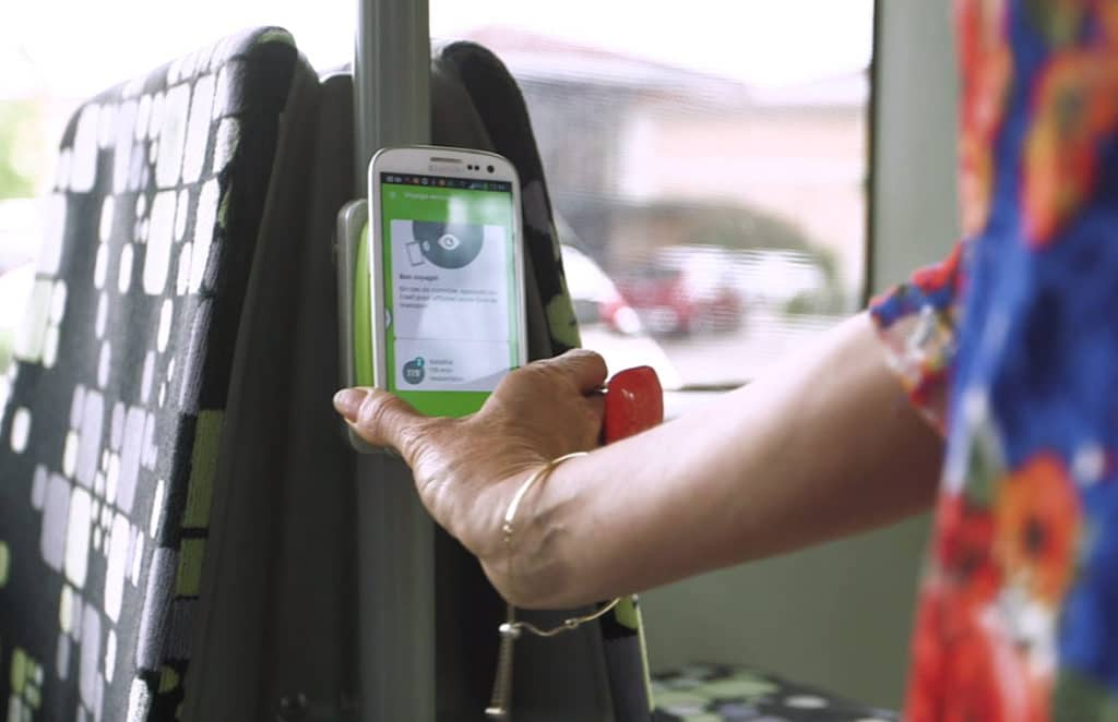 Corduent Fil Bleu Seamless Transportation System on a bus supporting BLE and NFC contactless payment