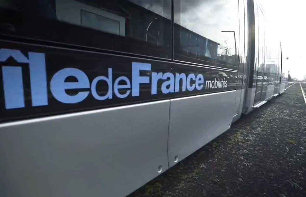 Île-de-France Mobilités logo on side of train
