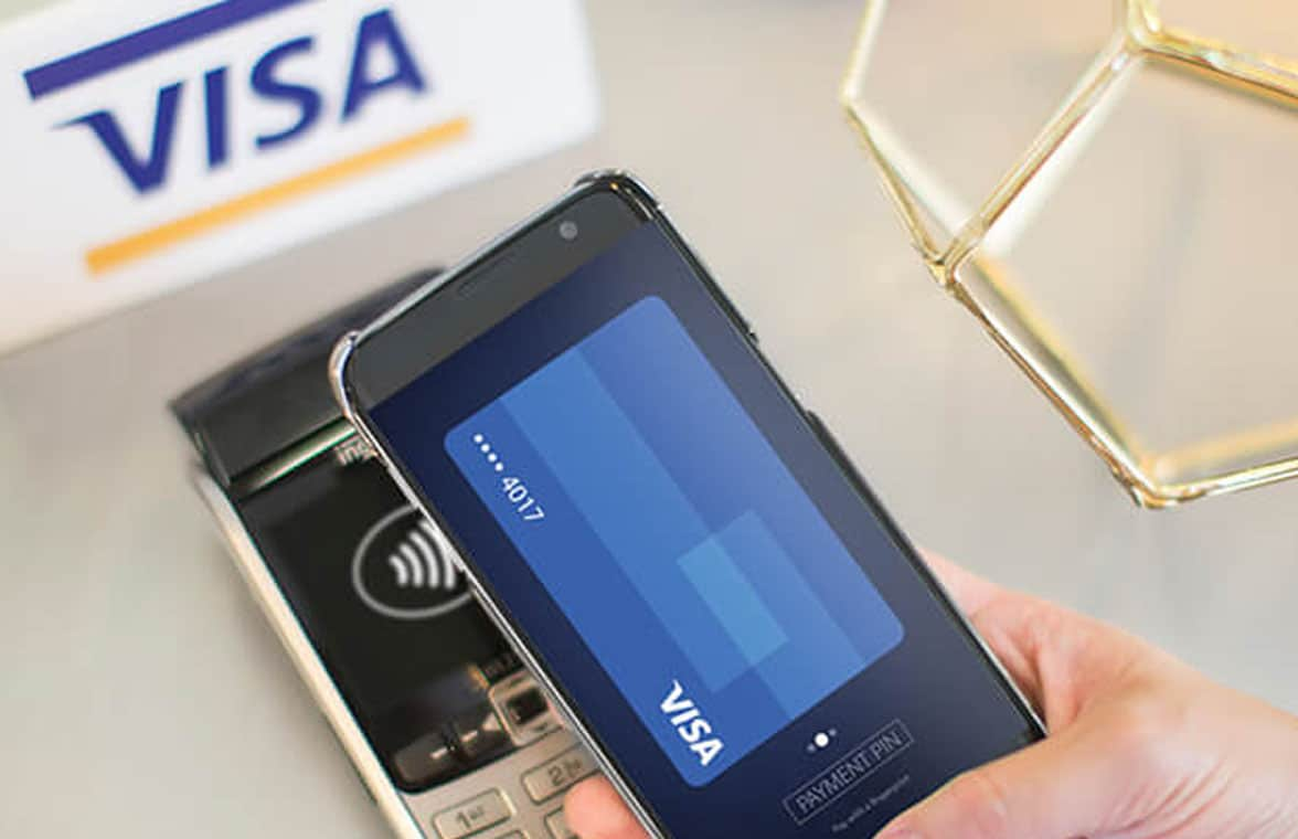 Smartphone making Visa contactless transaction